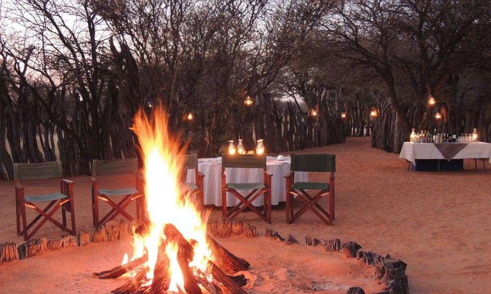 Kalahari-dining-area-campfire